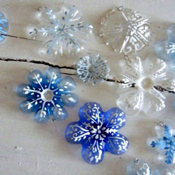 Snowflake christmas ornaments from  plastic bottles