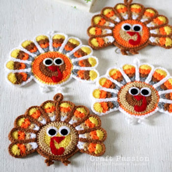 Crochet turkey coasters (free crochet pattern)