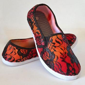 Cipő díszítés textilfestékkel és csipkével egyszerűen