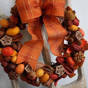 Egyszerű őszi koszorú potpourriból