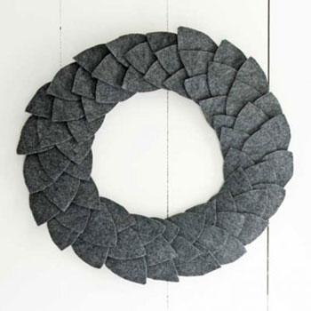 Egyszerű filc falevél koszorú ( őszi - téli ajtódekoráció )