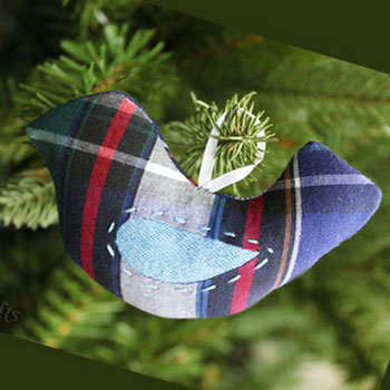 Emlék karácsonyfadísz madárka flanel ingből