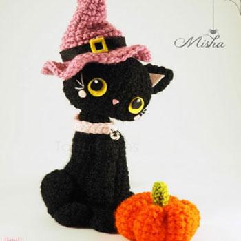 Amigurumi boszorkány macska minta sapkával és mini tökkel