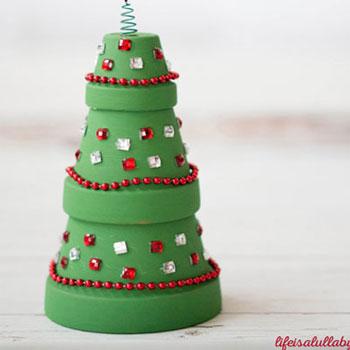 Karácsonyfa agyag cserépből - egyszerű karácsonyi dekoráció