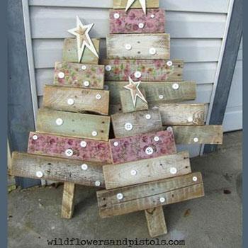 Rusztikus raklap karácsonyfa - kreatív karácsonyi kerti dekoráció