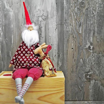 Tilda style Santa toy (free sewing pattern & tutorial)