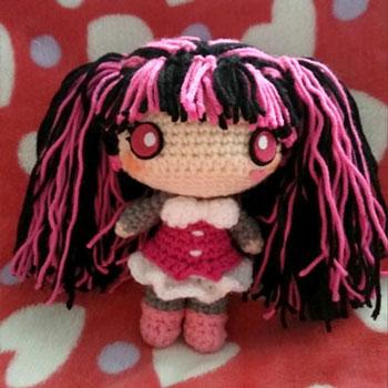 Amigurumi Drakulaura baba (Monster High) - ingyenes horgolásminta