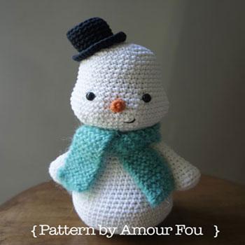 Sálas amigurumi hóember (ingyenes horgolásminta)