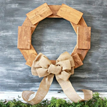 Easy DIY rustic scrap wood wreath - woodworking