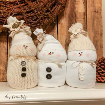 DIY sweater snowmen - (no-sew) easy winter decor