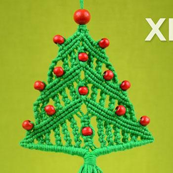 Makramé karácsonyfa gyöngy díszekkel (videó útmutató)