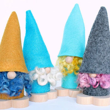 DIY Little felt Christmas gnome ( Scandinavian gnome )