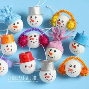 Pingponglabda hóember karácsonyfadísz - kreatív ötlet gyerekeknek