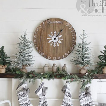 DIY wooden clock advent calendar - Christmas decoration