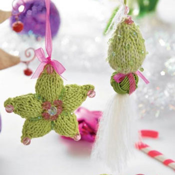 Knitted star and tassel Christmas tree ornament ( free knitting patterns )