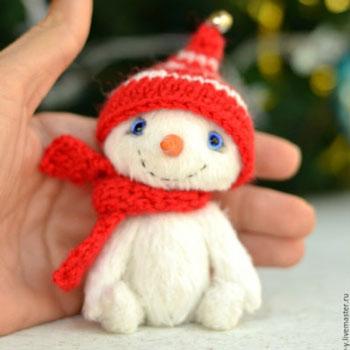 Mini hóember plüss (ingyenes szabásminta és útmutató)
