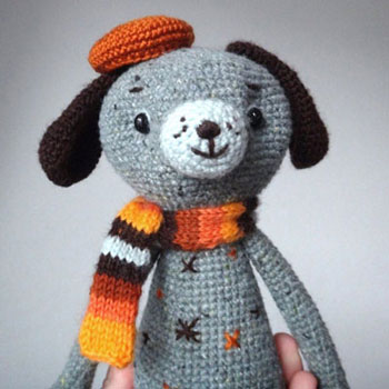 Adorable crochet dog doll in fall colors (free amigurumi pattern)