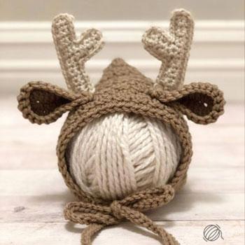 Horgolt rénszarvas baba sapka (főkötő) - ingyenes horgolásminta
