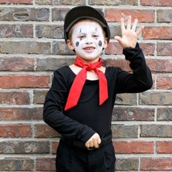 Easy DIY mime costume for kids - last minute Halloween costume