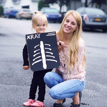 DIY X-ray costume from a cardboard box - easy Halloween costume