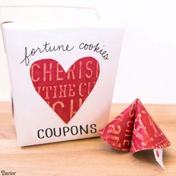 Romantikus ajándék - papír szerencsesüti (kuponokkal) - nyomtatható sablon