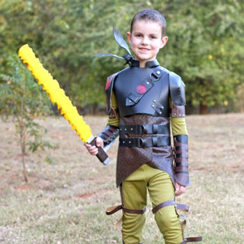 DIY Hiccup costume  - free sewing tutorial