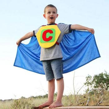 Szuperhős jelmez gyerekeknek - varrási útmutató