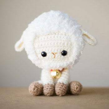 Mini horgolt amigurumi bárányka ( ingyenes horgolásminta )