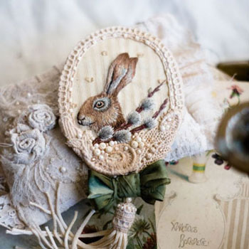 DIY Hand embroidered bunny brooch ( step-by-step tutorial )