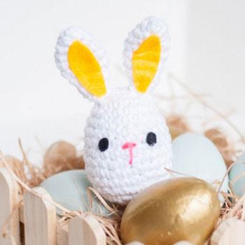 Egyszerű húsvéti tojás nyuszi - ingyenes amigurumi minta