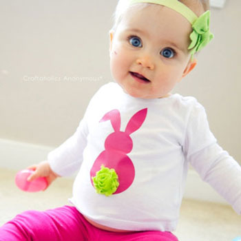 DIY Cute Easter bunny shirt with pompom tail