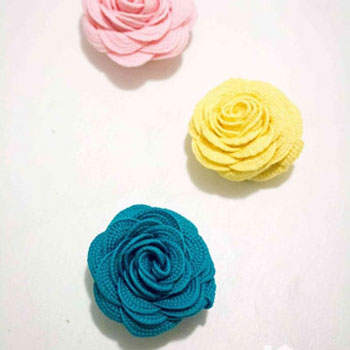 How to make ric rac flowers ( easy DIY fabric ribbon roses )