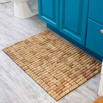 Parafadugó szőnyeg (fürdőszoba szőnyeg parafadugóból) - kreatív újrahasznosítás