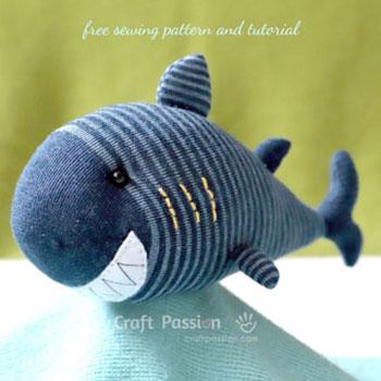 Zokni cápa - plüssállat készítés zokniból ( ingyenes szabásmintával)