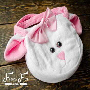 Aranyos bárányka táska plüssből (ingyenes szabásminta)