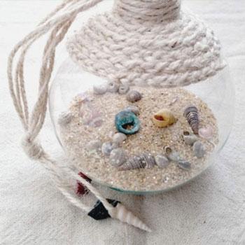 Kreatív nyári dekoráció átlátszó karácsonyfadísz gömbből