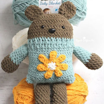 Amigurumi square bear in flower sweater - free crochet pattern