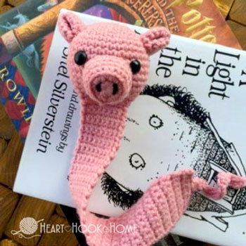 Amigurumi pig bookmark (free crochet pattern)