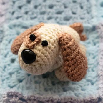 Picur kutyus - mini amigurumi kutya figura (ingyenes horgolásminta)