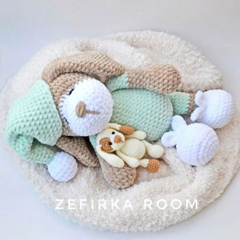 Sonia az alvó amigurumi kutya (ingyenes horgolásminta)