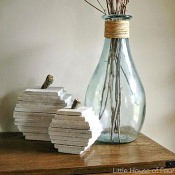 Egyszerű fa tök maradék faanyagból vagy raklapból