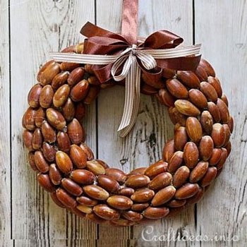 DIY Acorn wreath - easy DIY fall wreath