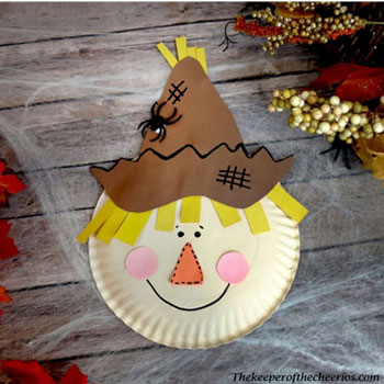 DIY Paper plate scarecrow - fun fall craft for kids