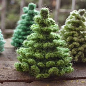 Horgolt amigurumi karácsonyfák (fenyőfák)