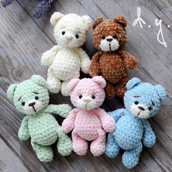 Little plush amigurumi bear (free crochet pattern)