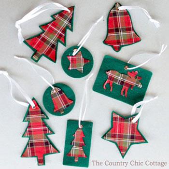 Egyszerű karácsonyfadíszek filcből és flanelből (nyomtatható sablon)