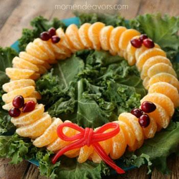 Egészséges gyümölcs koszorú - kreatív karácsonyi tálalási ötlet