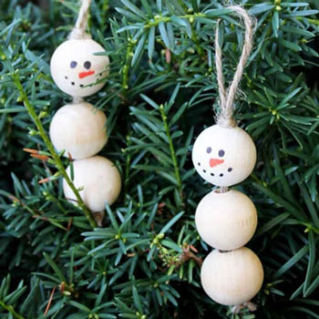 DIY Wood bead snowman ornament - Christmas craft for kids