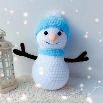 Kicsi puha amigurumi hóember (ingyenes horgolásminta)