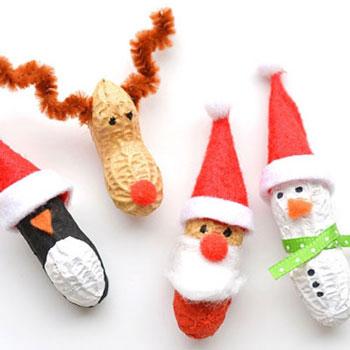 Karácsonyfadísz mogyoróból (Mikulás, pingvin hóember és rénszarvas)